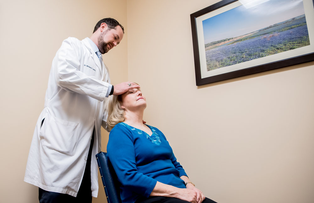 TexStar Chiropractic - Cervical Manipulation to treat neck pain, Austin, TX